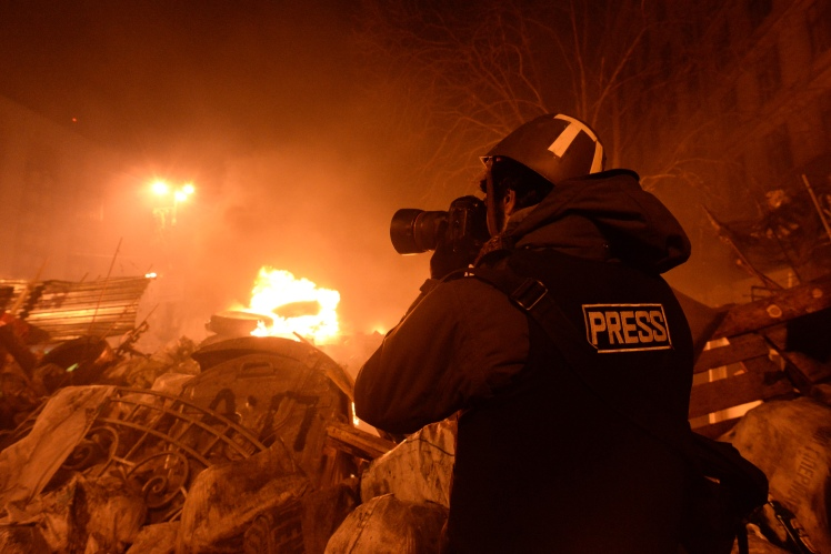 journalist_documenting_events_at_the_independence_square-_clashes_in_ukraine_kyiv-_events_of_february_18_2014